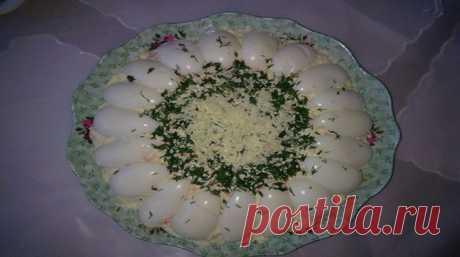 Нежнейший салат Рафаэлло Салатик воздушный. вкусный и очень оригинальный внешне.
