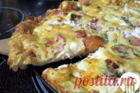 Пицца-минутка без особых хлопот на сковороде.
