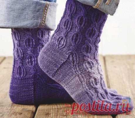 Вязаные носки «Глубокий пурпур» | ВЯЗАНЫЕ НОСКИ