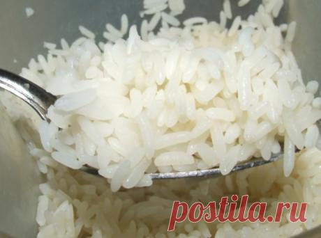 Все вредное выведет рис!   Секрет тибетских лам.  Возьмем обычный рис, столько столовых ложек, сколько вам лет. Промоем, засыплем в банку, зальем теплой кипяченой водой, закроем крышкой и поставим в холодильник. Утром воду сольем, возьмем 1 столовую ложку с верхом риса, сварим его в течение 3-4 минут без соли и съедим натощак до половины восьмого утра. Оставшийся рис снова зальем кипяченой водой и поставим в холодильник. И так поступаем каждое утро, пока рис не закончится....