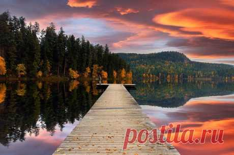 Закат над озером Gardam, Канада