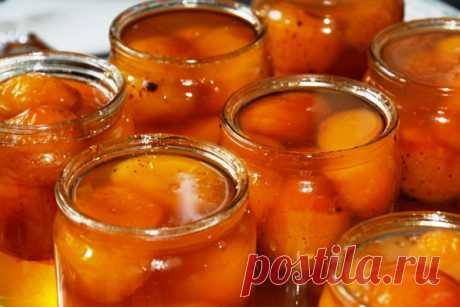 Прозрачное абрикосовое варенье с целыми плодами