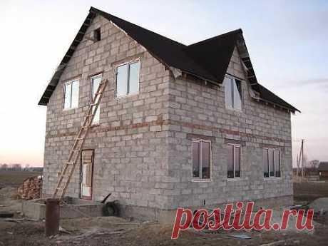 Строительство дома из пеноблоков. Фото