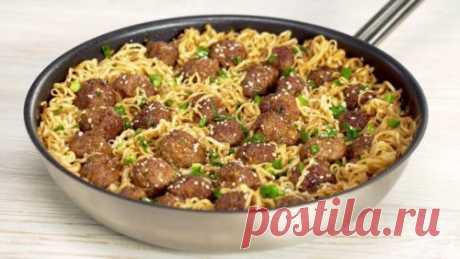 Вкусный ужин за 25 минут: Мясные фрикадельки с лапшой в азиатском стиле