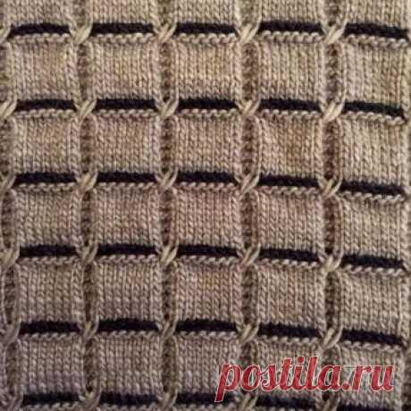Очень красивый узор спицами - квадраты  Очень красивый узор - подойдет и для свитера или кардигана, и плед получится уютный.Очень красивый узор спицами - квадраты - достаточно легкий, несложный в выполнении.  Резинка 1х1: попеременно 1 лицевая петля, 1 изнаночная петля, в изнаночных рядах вяжем, как выглядят петли.  Лицевая гладь: в лицевых рядах – лицевые петли, в изнаночных – изнаночные.  Платочная вязка: в лицевых и изнаночных рядах – лицевые петли.  Узор с перекрестны...
