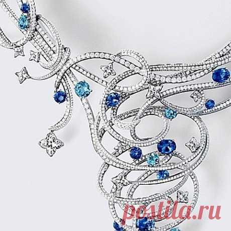 Coleção de jóias de luxo de Louis Vuitton. Louis Vuitton, Louis Vuitton jóias, Louis Vuitton Jóias Luxo