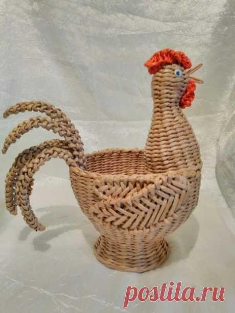 Подборка красивых работ к пасхе, курочки, плетение трубочками.