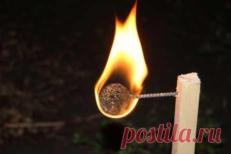 Как сделать мощный розжиг из винной пробки   Рукастый Самоделкин   Пульс Mail.ru Отличная переработка пробок от вина в растопку для костра.