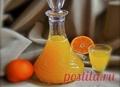 Мандариновый ликер    ИНГРЕДИЕНТЫ: Свежевыжатый сок из мандаринов(апельсинов) - 1,5 стакана Апельсин - 2 шт. Водка - 150-200 мл. Сахар - 3/4 стакана(или больше) Вода - 100 мл.   ПРИГОТОВЛЕНИЕ: 1.Из апельсинов аккуратно …