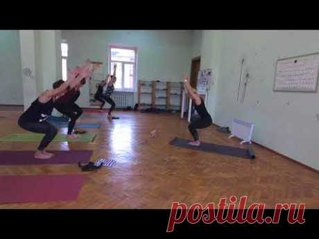 Тренировка основного уровня. Баланс йога