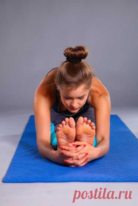 Для чего нужно делать растяжку ног по утрам / Будьте здоровы