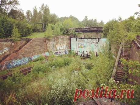 Грандиозные объекты СССР, которые сегодня никому не нужны В Советском Союзе было создано огромное количество промышленных и военных объектов. После краха социалистической страны большая часть подобных предприятий пришла запустение и сегодня никак не используется...