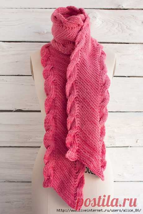 Уютный шарф Bias Scarf with Ribbed Cables by Lisa R. Myers
