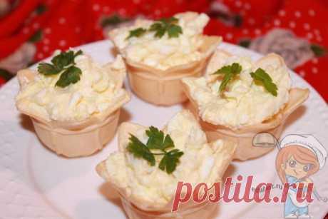 Тарталетки с яйцом и сыром - рецепт воздушной закуски
