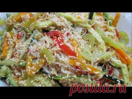 Салат или закуску из фунчозы (фунчезы) можно приготовить с овощами, мясом и морепродуктами, например,креветками, разными соусами и  заправками.  В этом видео я готовлю вкусную  фунчозу по простому и быстрому рецепту с овощами. https://www.youtube.com/watch?v=nPEXAJQp-JY&list=PLCs_TDlIiztbcGCsM7J18XE57v3AD1ag7&index=2&t=17s                Простой рецепт фрикаделек из фарша с подливой в духовке. Улетают, как семечки. Готовьте двойную порцию. https://youtu.be/5Cdun91O0zQ