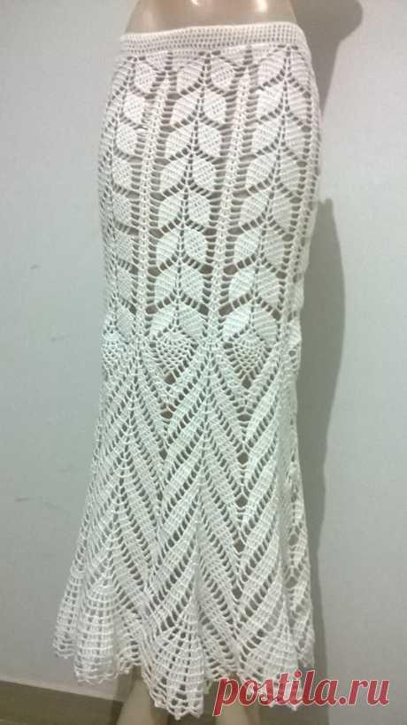 Saia Branca em Crochê usada por Ana Maria Braga com sugestão dos gráficos - Katia Ribeiro Crochê Moda e Decoração