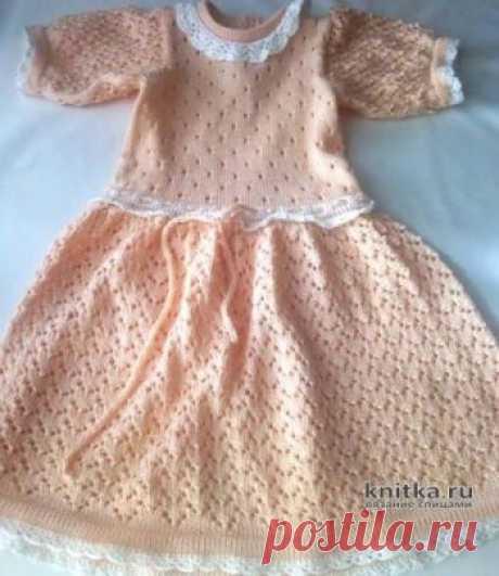 Платье спицами для девочки 3-4 лет. Работа Ивановой Людмилы,  Вязание для детей Платье спицами для девочки. Возраст 3 - 4 года. Вязала спицами 2.5 Нитки хлопок. Метраж не помню. Ушло 2.5 мотка. Вязала из двух