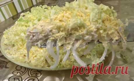 Легкий, воздушный «Лебединый пух» — тот самый салат, которого всегда не хватает Ну какой же новогодний стол без салатов? Сложно представить себе праздничное застолье без сельди под шубой, салатов «Мимоза», «Оливье». Иногда хочется нарушить традицию и приготовить что-то легкое, чт…