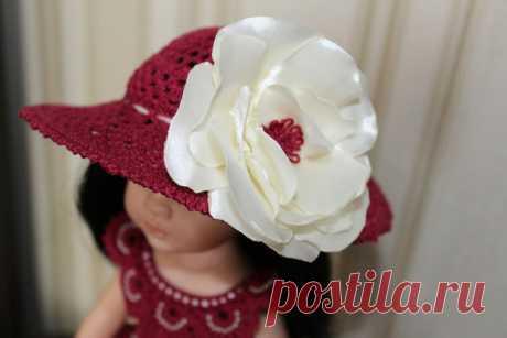 """Как же элегантно смотрится шляпка, украшенная цветами! Все конкурсные работы по описанию """"Встреча на берегу"""" можно посмотреть здесь https://vk.com/topic-95724412_35558292"""