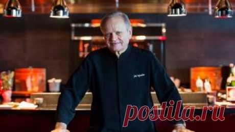 Умер «шеф-повар века» Жоэль Робюшон. Он прославился своим картофельным пюре — и вот его рецепт! 6 августа в Женеве в возрасте 73 лет умер один из самых известных поваров в мире Жоэль Робюшон. В 1990 году кулинарный справочник Gault et Millau назвал его «шеф-поваром века», а в 2016-м Робюшон поставил мировой рекорд по числу мишленовских звезд: в общей сложности у его ресторанов их было 32, в...