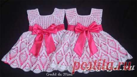 Платье крючком для девочек близняшек