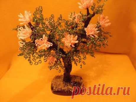 """Tree from beads of \""""Albition\"""""""