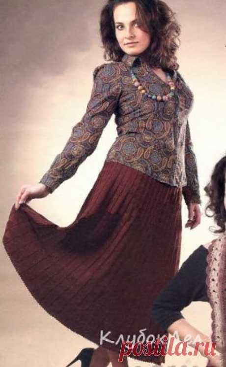 Коричневая юбка связанная спицами для женщин