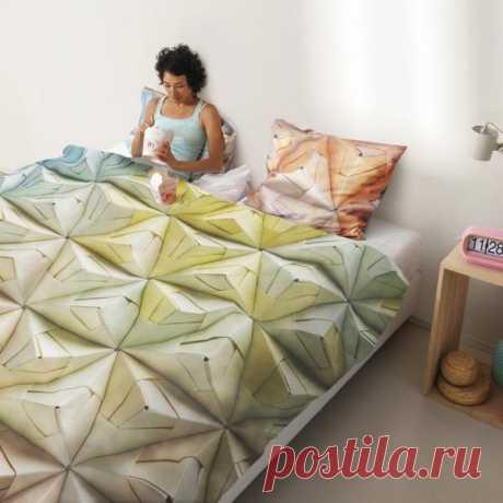 Из кровати с таким постельным бельём я бы вообще не вставала. Кладём в корзинку - $140 USD.