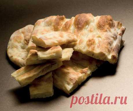 PIZZA BIANCA: FAMOUS ROME'S FLAT BREAD - MANGIA MAGNA