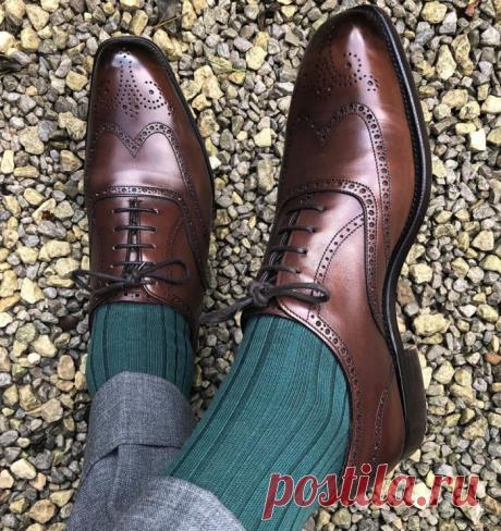 Зачем в туфлях делают много дырочек (не вентиляция), и чем мужские броги отличаются от другой обуви