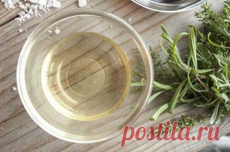 Как избавиться от травы и сорняков с помощью уксуса: рекомендации
