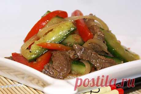 Мясной салат с огурцами по-корейски |