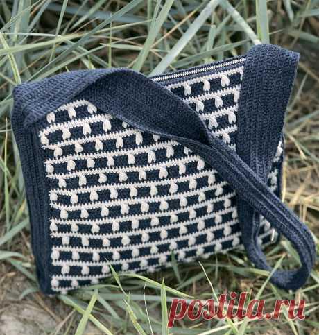 Двухцветная сумка через плечо - схема вязания крючком. Вяжем Сумки на Verena.ru