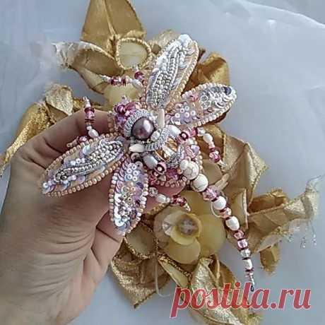 #стрекоза #брошьстрекоза #вышитаяброшь #dragonfly #dragonflybrooch #embroidery #вышивка