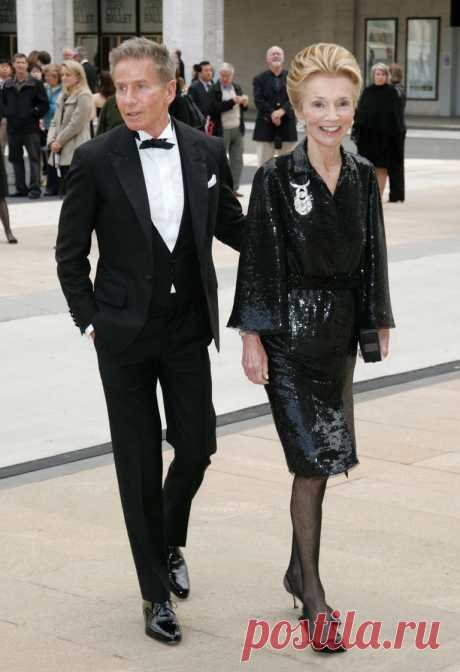 calvin-klein-and-lee-radziwill-attend-the-69th-annual-news-photo-112478669-1547245697.jpg (768×1122)