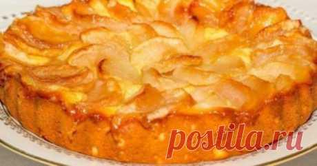 Обалденный яблочный пирог на молоке Представляем вашему вниманию рецепт очень вкусного пирога для семейного чаепития. Домашняя выпечка...
