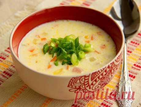 Сырный суп с ветчиной и овощами — Sloosh – кулинарные рецепты