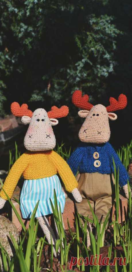 PDF Лосиха Гертруда и Лось Альберт крючком. FREE crochet pattern; Аmigurumi animal patterns. Амигуруми схемы и описания на русском. Вязаные игрушки и поделки своими руками #amimore - лось, олень, оленёнок.