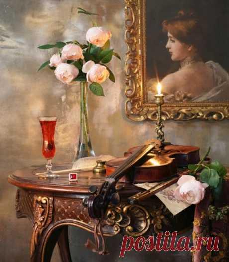 С пионовидными розами - сбор пазла Лучшая коллекция пазлов для взрослых и детей: собирайте и создавайте свои собственные пазлы.