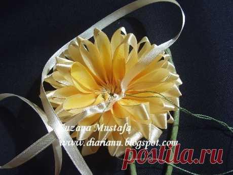 Хризантема из лент