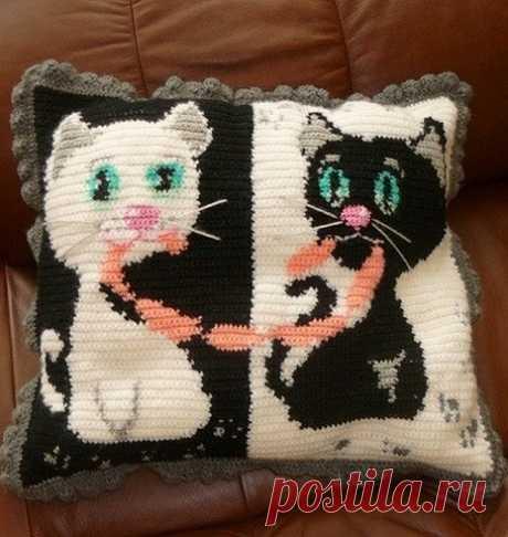 Knitting of a pillow hook