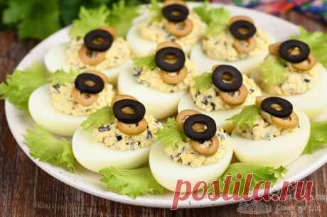 Фаршированные яйца. Начинка с добавлением оливок и маслин (рецепт с фото) | Совет да Еда | Яндекс Дзен