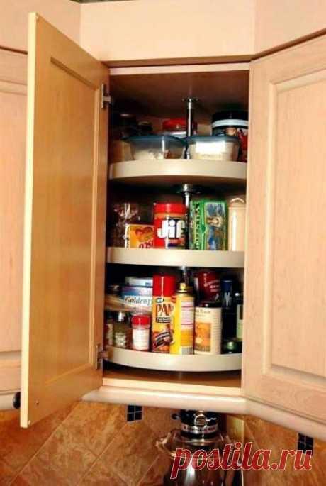Все по полочкам, мешочкам и баночкам: 16 функциональных систем для хранения вещей на кухне