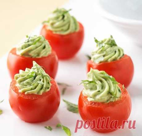 Фаршированные помидоры с авокадо и сыром Фаршированные помидоры с авокадо и сыром - пошаговый кулинарный рецепт приготовления с фото, шаг за шагом.