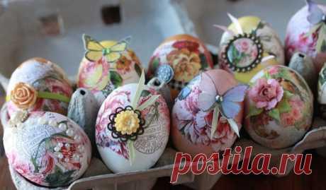 Готовимся к Пасхе: 3 салфетки, яйца и крахмал помогут сотворить настоящее чудо. Совсем скоро придет весна, а вместе с ней и светлый праздник Пасхи. Если вам хочется встретить его особенно красиво, не с банально окрашенными яйцами, возьмите на заметку эту...
