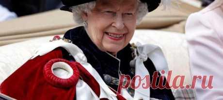 Два секретных, но простых ингредиента: как чистят украшения Елизаветы II. Помощница королевы раскрыла секрет, как придать камням дополнительный блеск. И это может сделать каждый!