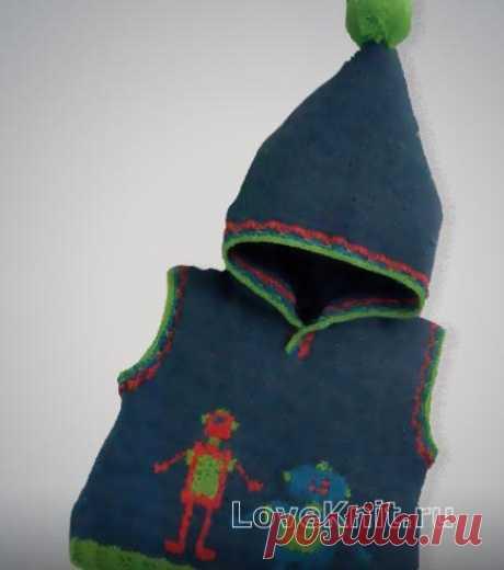 Вышитая безрукавка с капюшоном для малыша схема » Люблю Вязать