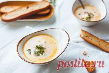 6 простых и безумно вкусных сырных супов Иногда из самых обычных продуктов можно сотворить что-то весьма интересное. Например, сырный суп. Готовить его легко и быстро, а блюдо получается с насыщенным сливочным вкусом.Вот рецепты невероятно а...