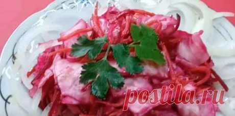 Розовая маринованная капуста со свеклой- быстрого приготовления. — Кулинарная книга - рецепты с фото