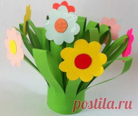 Простые цветы из бумаги. Поделки своими руками для детей. Всем детям очень нравится делать своими руками простые поделки из бумаги, в...